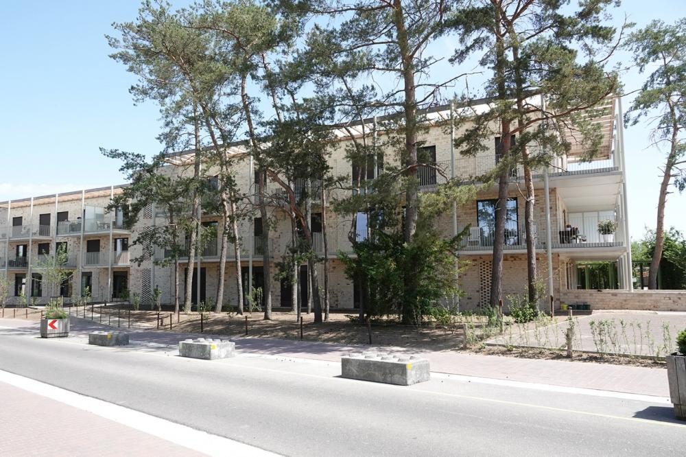 Angelahof Gebouw buitenzijde 03