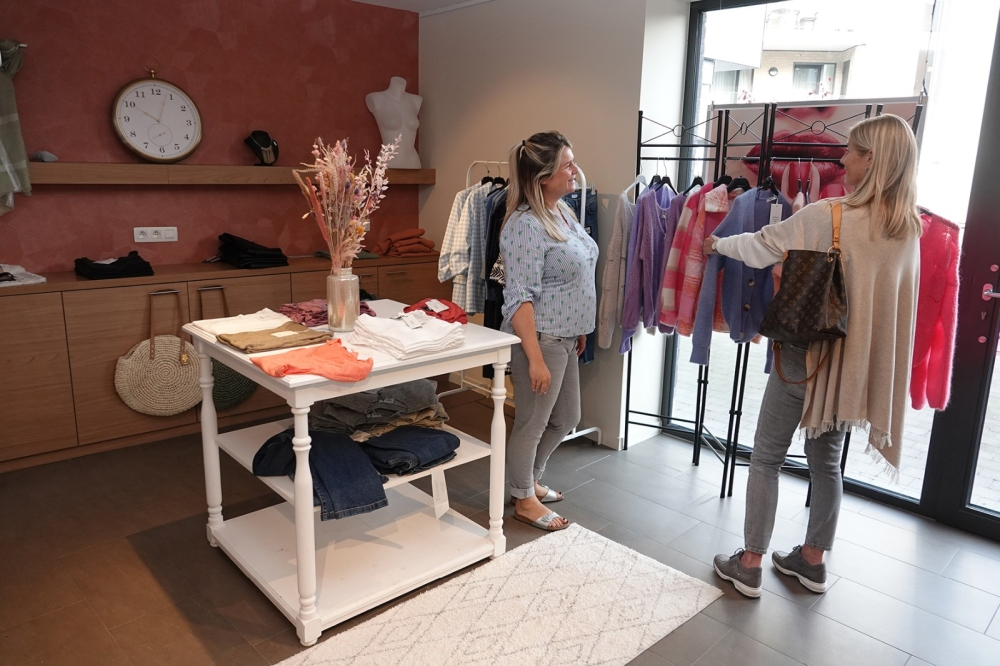 Senior Plaza kledingwinkel 1