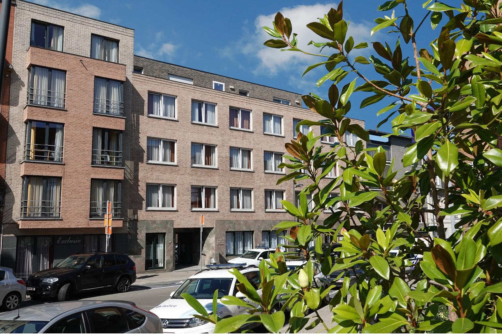 Exclusiv gebouw voorzijde 3